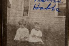 "1910~; ""Loretta and Martha Hobbs"""